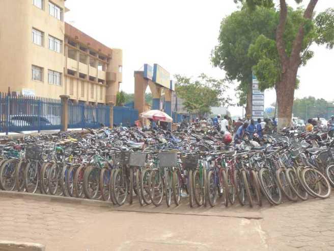ouga_velo_parking